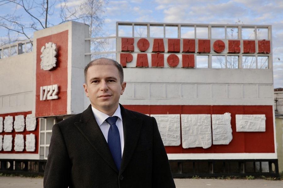 Михаил Романов поздравил петербургских энергетиков России с профессиональным праздником