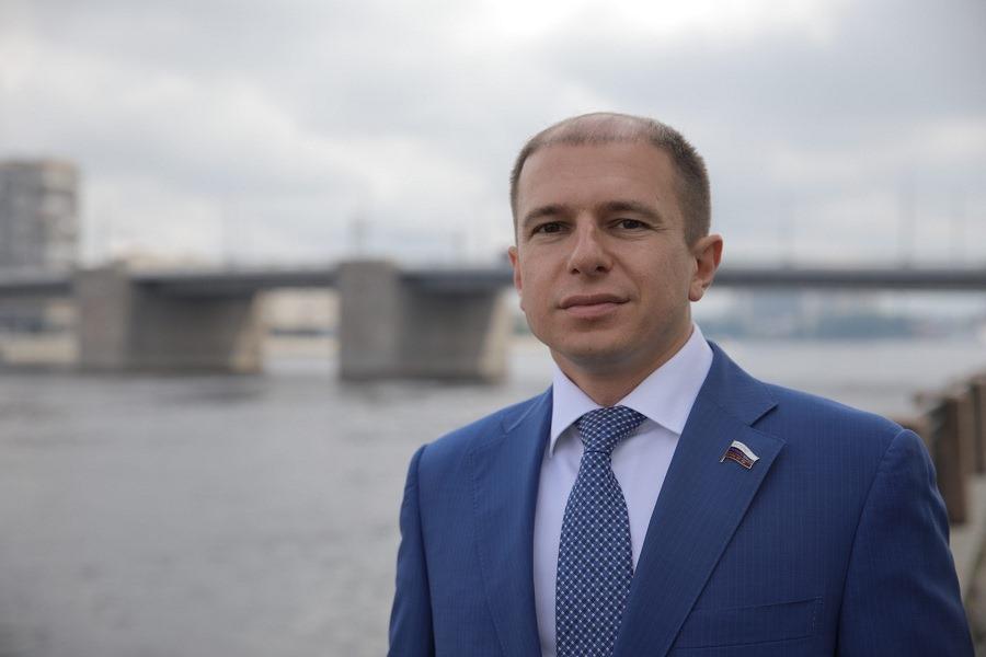 Михаил Романов поздравил петербургских кораблестроителей с профессиональным праздником